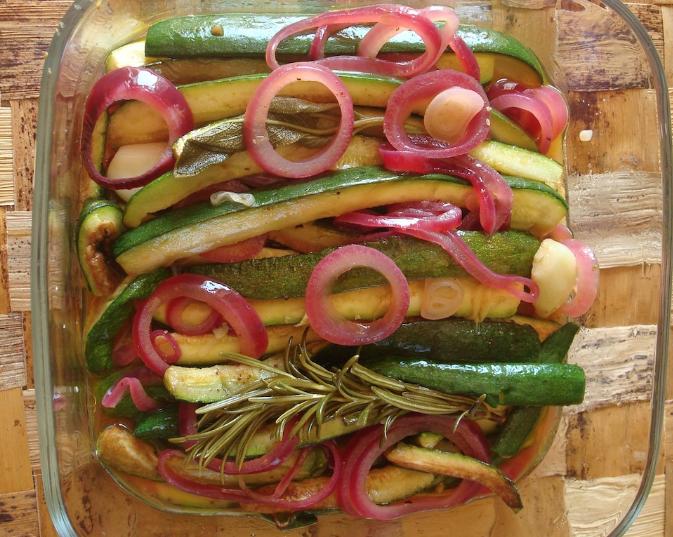 Zucchine in carpione con cipolle rosse