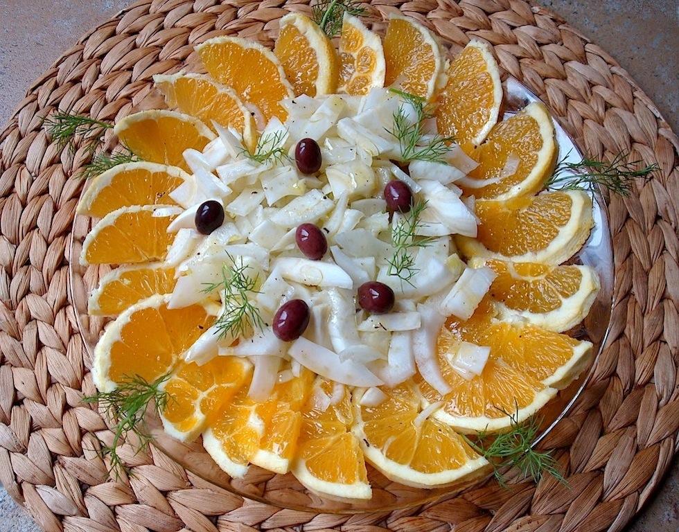 Insalata siciliana di arance, finocchi e olive