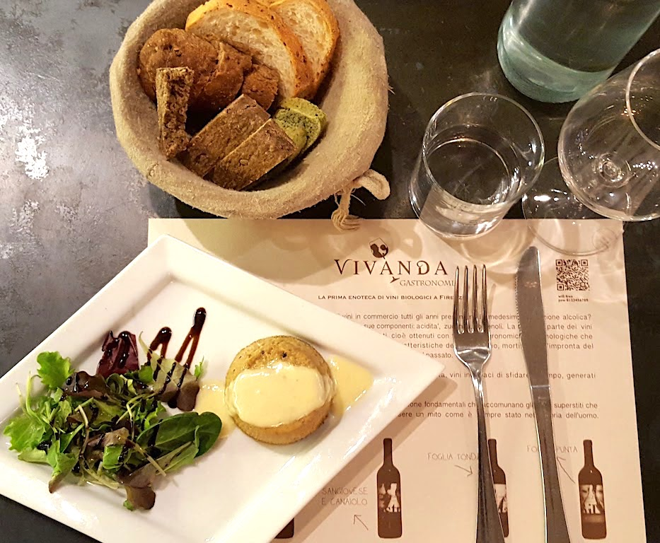 Firenze: pranzo da Vivanda e un tè in libreria